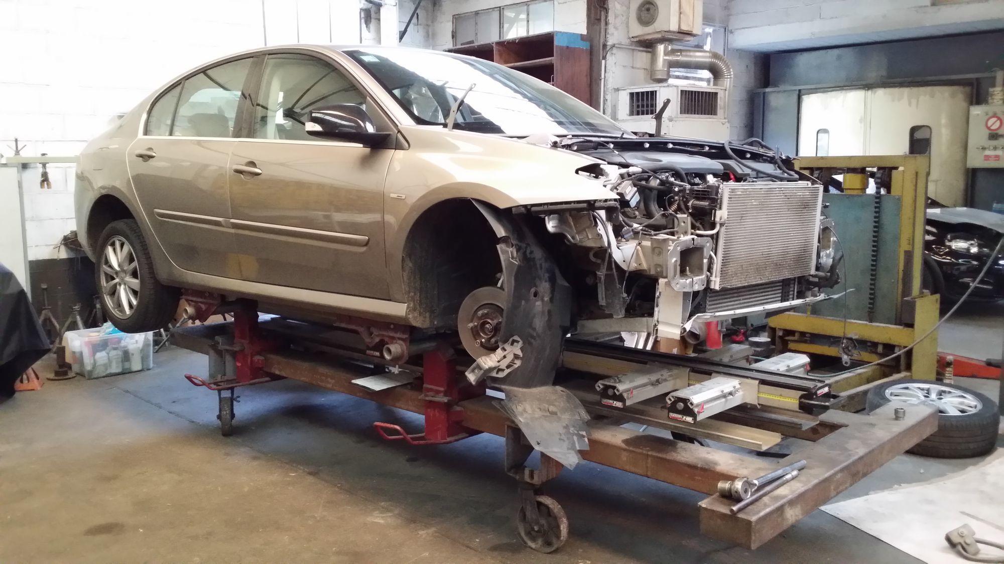Garage automobile courtenay garage coeugnez entretien for Garage bris de glace